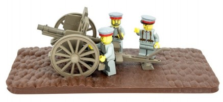 German minifig soldiers loading the 77mm field artillery gun